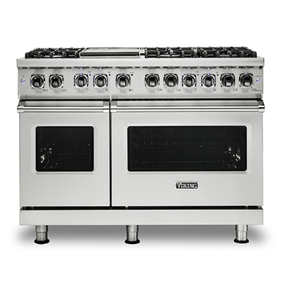 VIKING<sup>&reg;</sup> 48&quot; Gas Range - This Viking<sup>&reg;</sup> Be a professional chef in your own home with this Viking<sup>&reg;</sup>  gas range. Professional 5 series sealed burner gas range offers classic style and exceptional function.  Pro Sealed Burner system offers precision control to all burners. Inside the oven, there is a combined power of a 30,000 BTU u-shaped burner and 1500°F GourmetGlo™ infrared broiler.